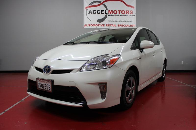 2013 Toyota Prius ハイブリッド車の代名詞! トヨタのメーカー保証有り