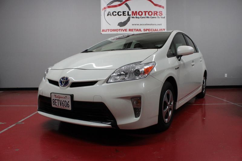 2015 Toyota Prius 低マイルのプリウス! メーカー保証有り