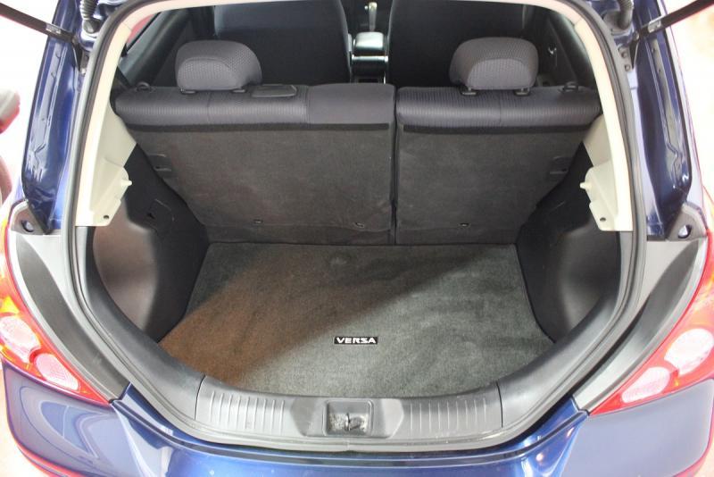 サンディエゴタウン 車販売情報 2008 Nissan Versa Sl 日産・バーサ