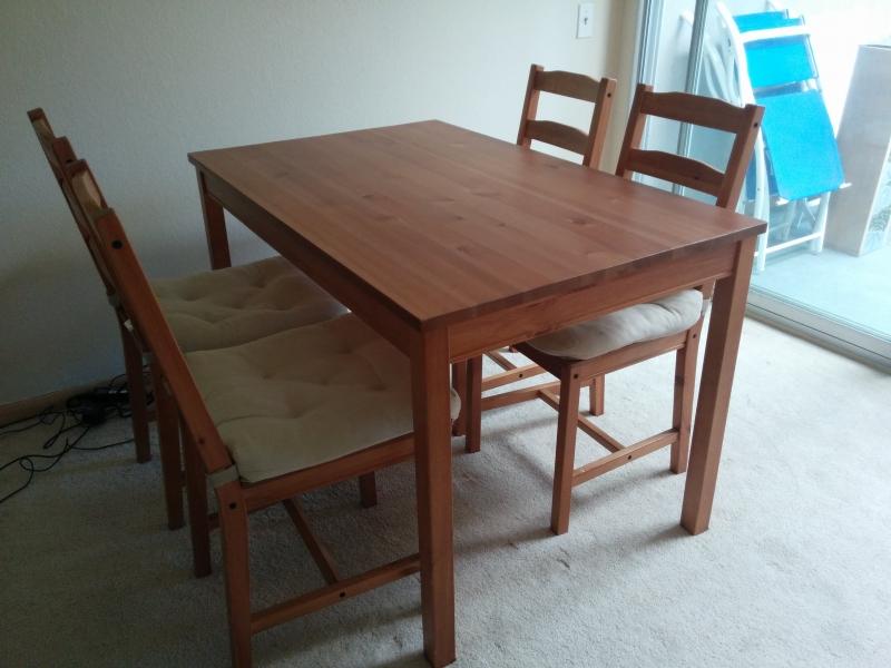... IKEAダイニングテーブルセット