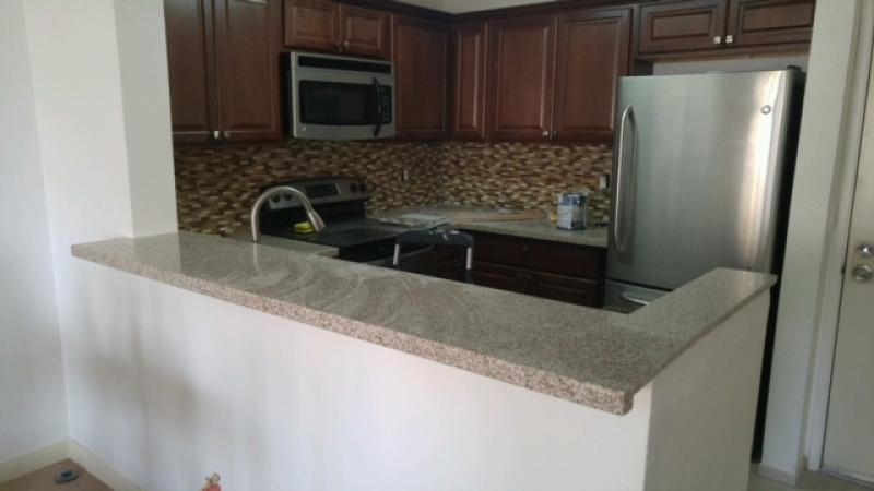 [UTC/La Jolla] UTCアパート 家具・食器完備、すぐに生活できます