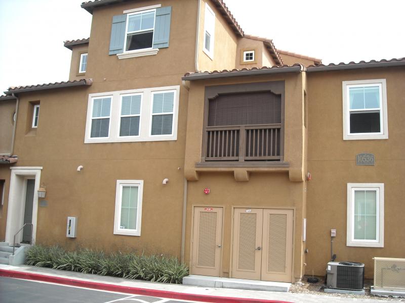 [4S Ranch] 3階建てタウンホーム