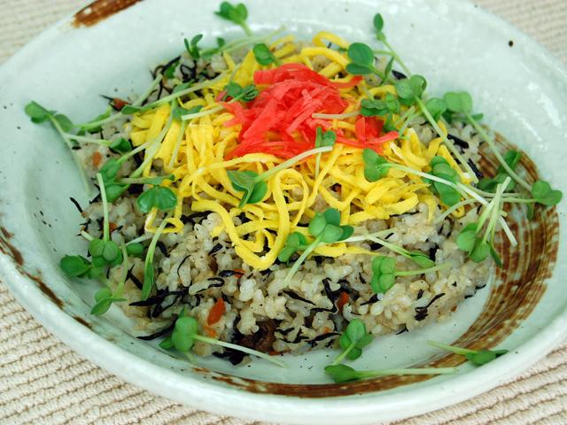 玄米とひじきのちらし寿司