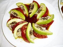 まぐろ・アボカド・トマトのサラダ